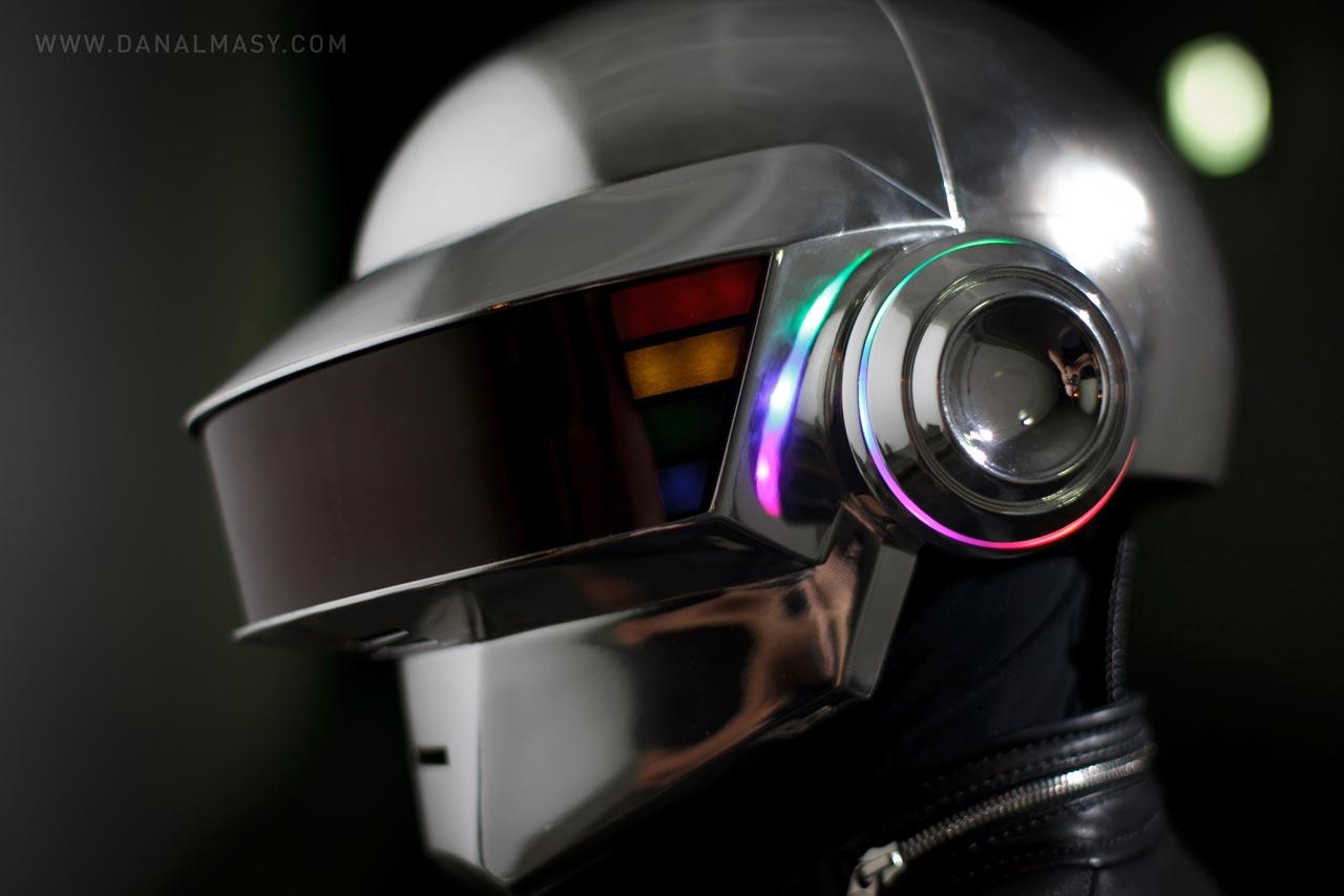 Anthony Howes Ki ic Art besides Rv Electronic Fridge Switch as well Daft Punk Helmet Thomas as well 414401603183515030 besides P638 edu08. on led electronic kits to build